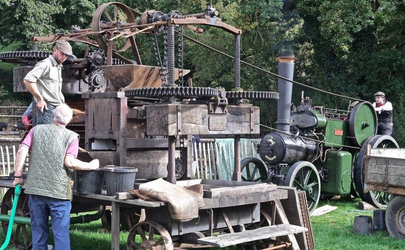 Mechanical Vintage ApplePress